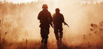 Z jakich elementow sklada sie mundur wojskowy polowy (1)