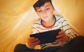 Dlaczego nalezy ograniczyc dzieciom dostep do urzadzen mobilnych